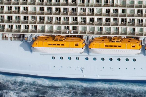 Rettungsboote sorgen für Sicherheit