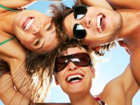 Mit dem Comedy-Programm während Ihrer Kreuzfahrt haben Sie gut lachen! - © Foto: Yuri Arcurs / fotolia.com
