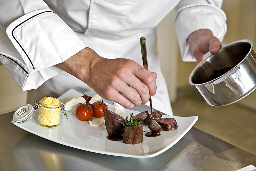 Beim Chef's Table blicken Sie dem Chefkoch über die Schulter