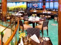 Köstliche Speisen werden im Tapas und Salsa Restaurant zubereitet - © Foto: Norwegian Cruise Line