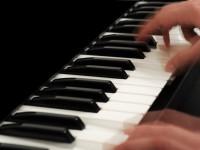 Piano-Bars sorgen für den guten Ton an Bord - © Foto: mekcar / fotolia.com