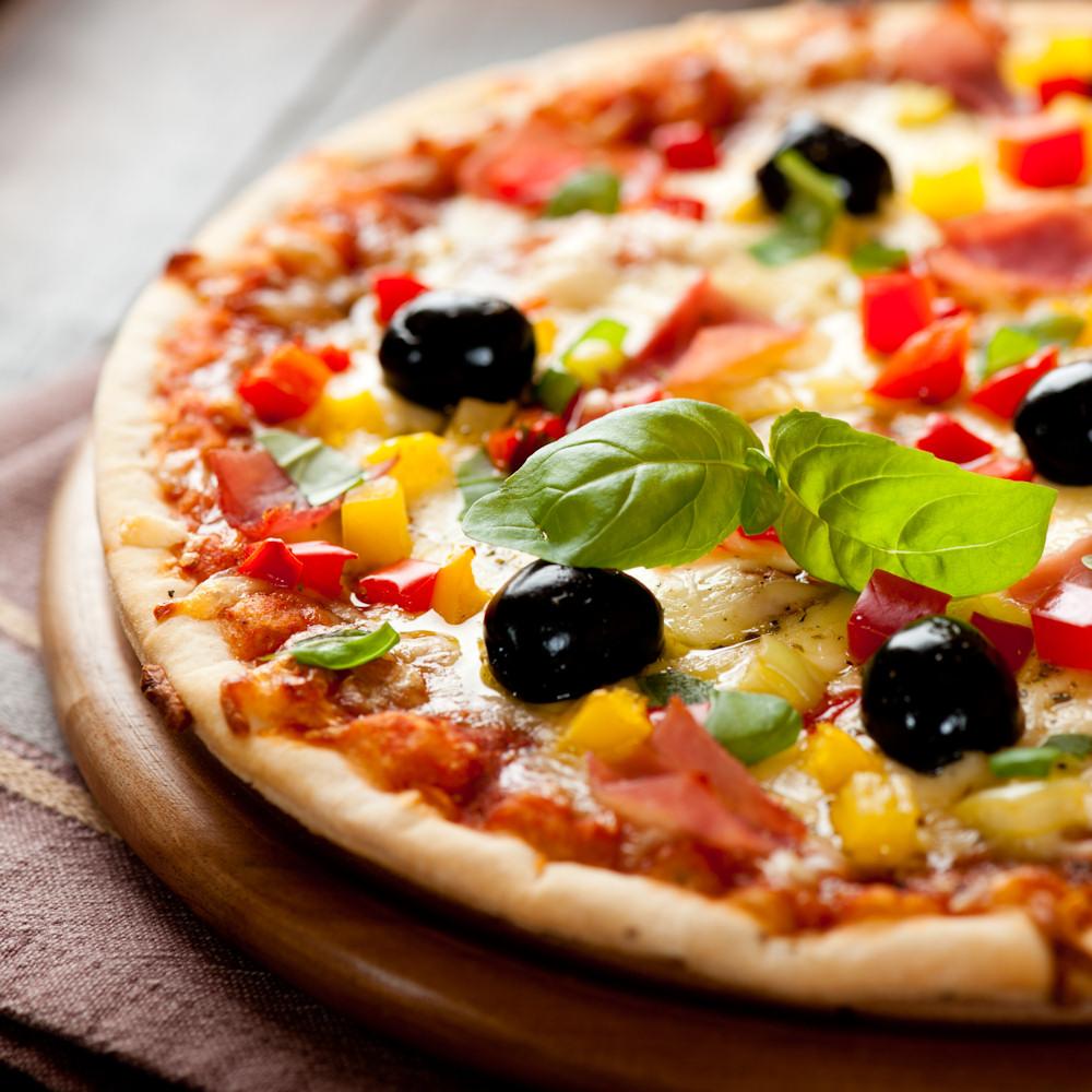 Genießen sie frisch zubereitete pizzen auf see