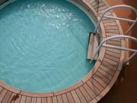 Entspannen Sie sich im Whirlpool - © Foto: Immo Schiller / fotolia.com