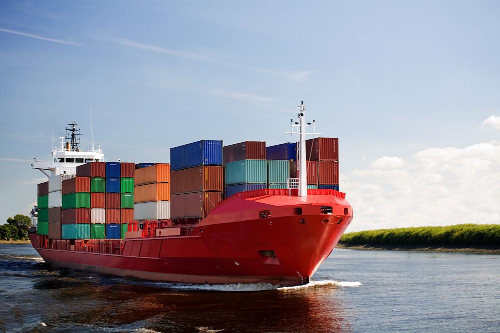 Frachtschiffreisen werden u, a. auf Containerschiffen angeboten