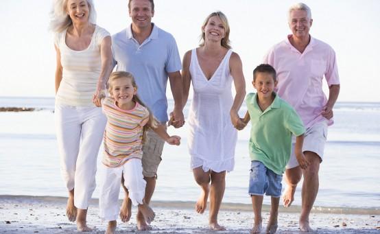 Familien auf Kreuzfahrt