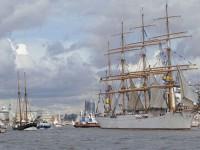 Großsegler und Kreuzfahrtschiffe auf dem Hafengeburtstag