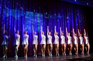 The Rockettes® taufen die Norwegian Breakaway