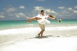 Hochzeitspaar in der Karibik