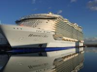 Der neue Megaliner im Hafen der Papenburger Meyer Werft © Foto: Royal Caribbean Int.