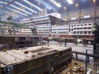 Bauhalle der Meyer Werft in Papanburg