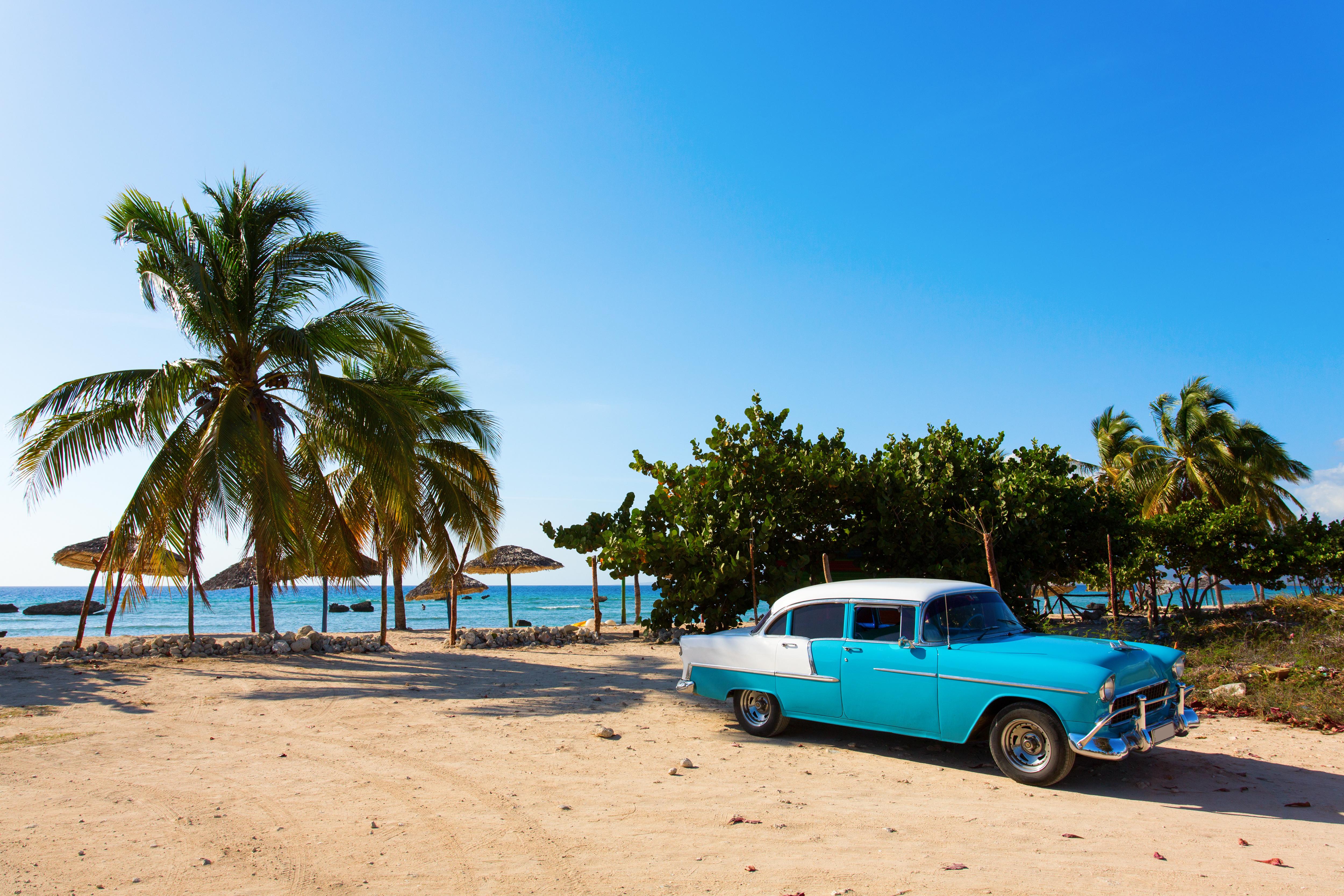 Kuba bietet sowohl aufregendes Stadtleben als auch pure Entspannung an Sandstränden. © Foto: www.danmirica.ro / Fotolia.com