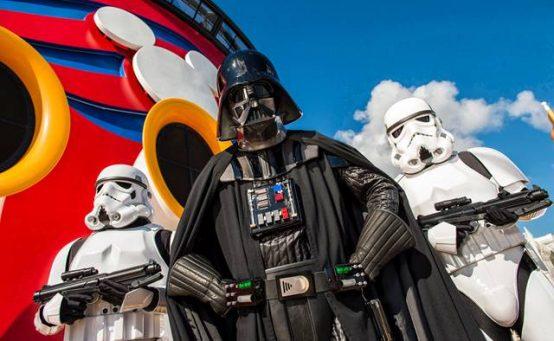 Darth Vader mit Sturmtruppen